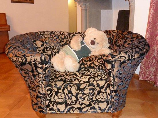 Silence & Schlosshotel Mirabell:                   Die gute Seele des Hauses, der liebe Teddybär