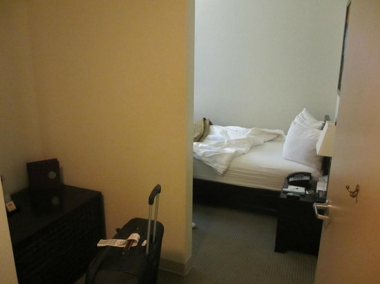 Hotel Fusion: room