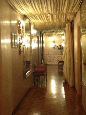 Aurora Hotel:                   the gorgeous hallway!