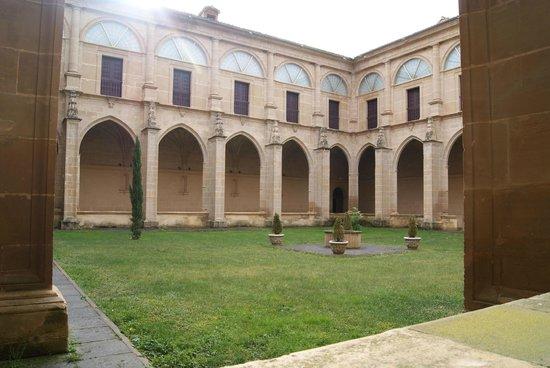 Monasterio de Yuso: Claustro