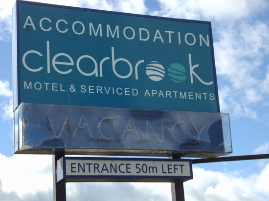 ‪كليربروك موتل آند سيرفسد أبارتمنتس:                                     Clearbrook Motel & Serviced Apartments