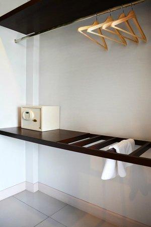 The Nidhra Boutique Resort: Safety Deposit Box
