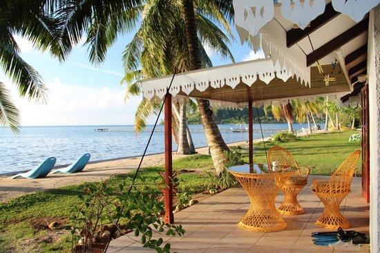 Hotel Atiapiti :                   exterieur bungalow