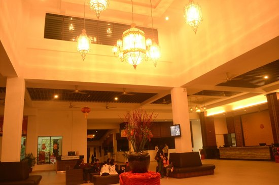 Bukit Gambang Resort City:                                     Hotel Lobby (arabian bay)