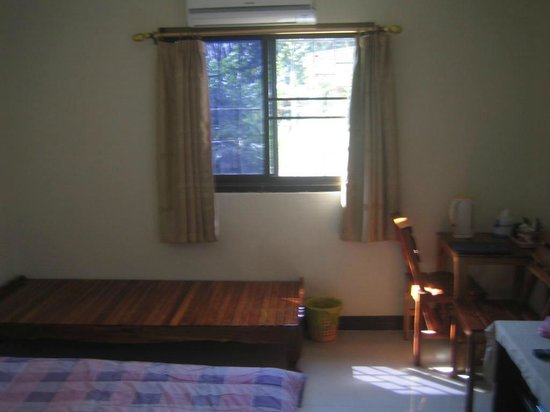 STC Homestay Bed & Breakfast:                                     Small guest room