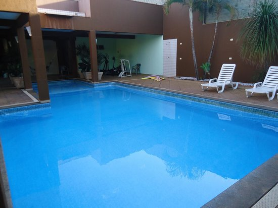 Hotel Rouver:                   Piscina