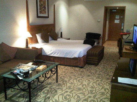 The Country Club Hotel:                                     Deluxe room