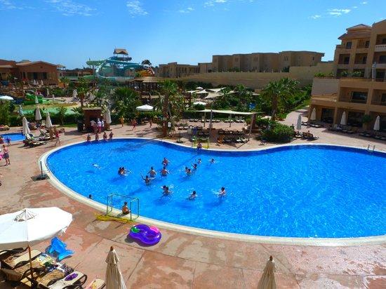 كورال سي سبلاش رزورت:                   View of main pool                 