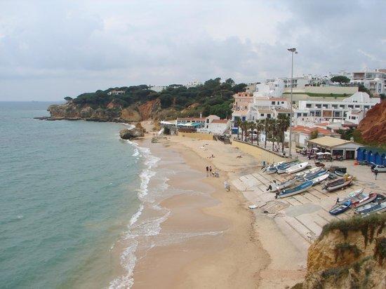 Praia dos Olhos de Agua: The beach seen from the hill