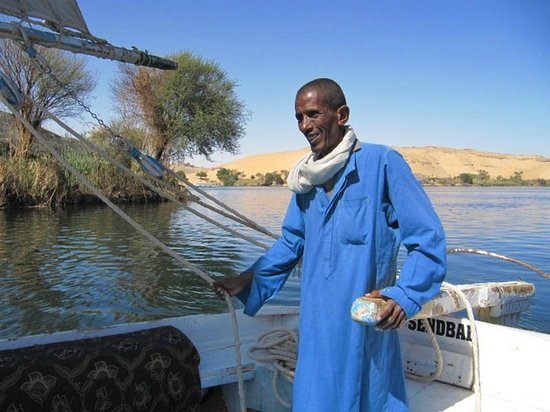 Club Marmara Decouverte du Nil:                   Mustafa sur la felouque