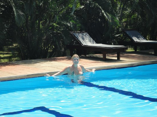 Ging Oya Lodge: 90 degrees at the pool