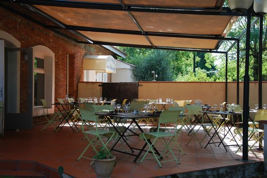 Le Barry Hotel Restaurant: terrasse