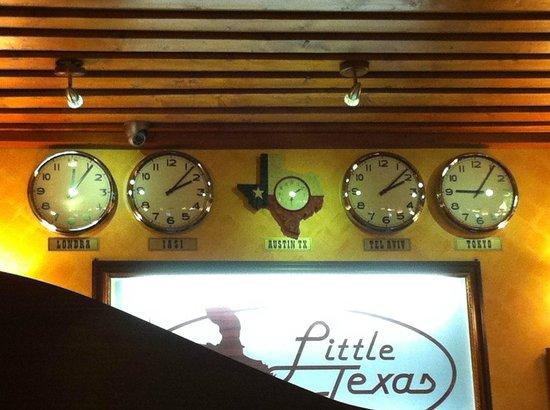 Little Texas Hotel:                   la reception