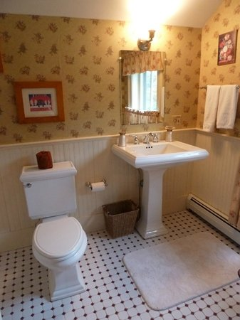 The Inn at Weston:                                     Parkhurst bathroom