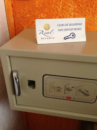 Real Playa del Carmen:                   Safe deposit box at the room