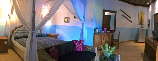 Aahh Bali Bed & Breakfast: Room A or Deluxe