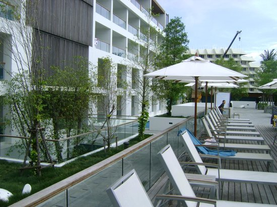Nap Patong:                   zona piscina