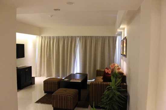Mount Lavinia Hotel:                   The lounge area