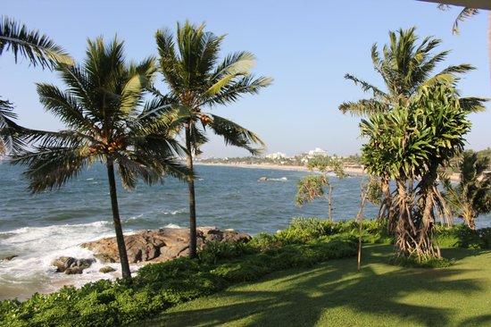 Mount Lavinia Hotel:                   The view from the balcony