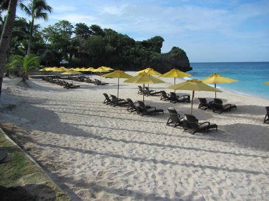 Shangri-La's Boracay Resort & Spa: Beach