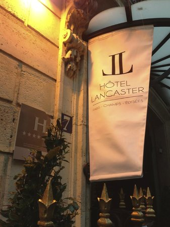 Hotel Lancaster Paris Champs-Elysees:                   understated and elegant