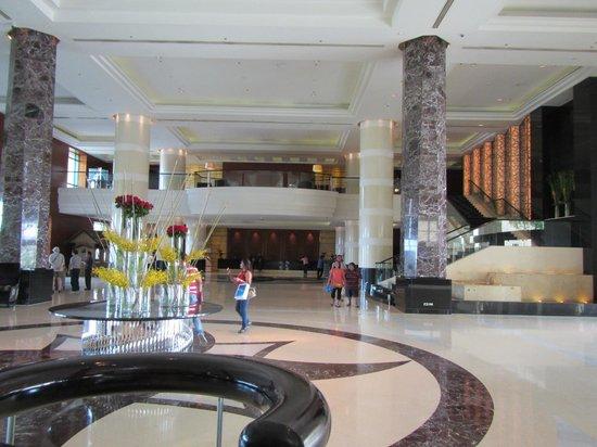 Radisson Blu Cebu: Loby