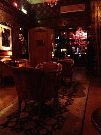 The Toren: Cosy bar
