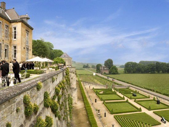 Chateau Neercanne : Terrace and view