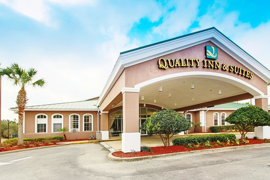 Quality Inn Conference Center Citrus Hills: Our newly renovated hotel is just 15 minutes from the coast