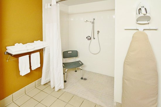 Quality Inn Conference Center Citrus Hills: Our handicapped accessible rooms are fully equipped