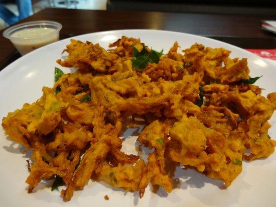 Nalan Restaurant : Onion Tomato Capsicum Uthappam