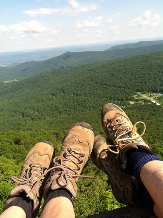 Shadow Mountain Escape : Hike on nearby trails - Shenandoah National Park