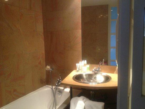 Select Hotel: Lavabo e vasca