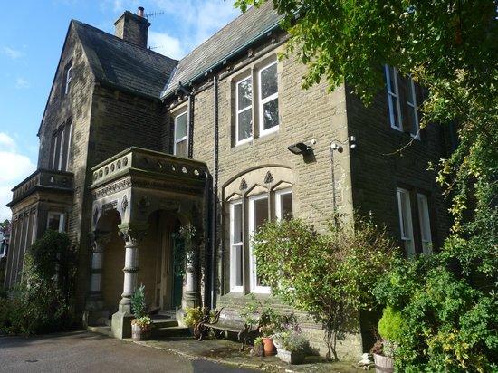 Ashmount Country House:                   Ashmount Exterior