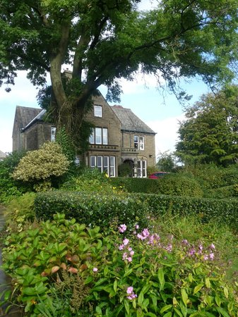 Ashmount Country House:                   view from the garden