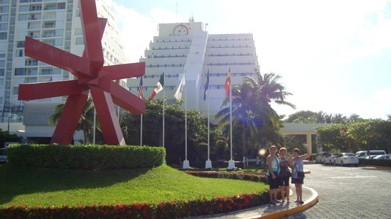 Park Royal Cancun:                   frente hotel