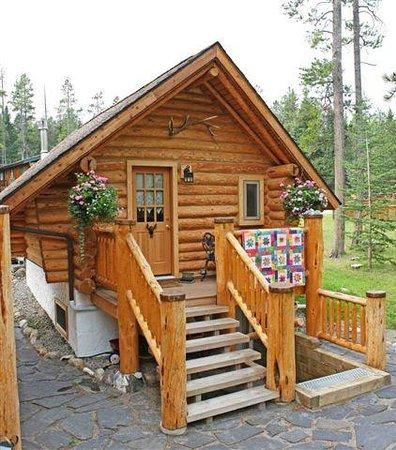 Banff Log Cabin Summer Picture Of Banff Log Cabin B B