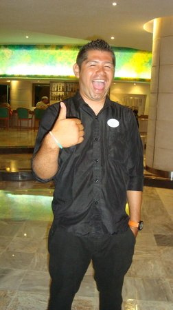 Park Royal Cancun:                   Animador Luis