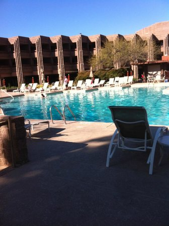 Loews Ventana Canyon Resort:                   The pool