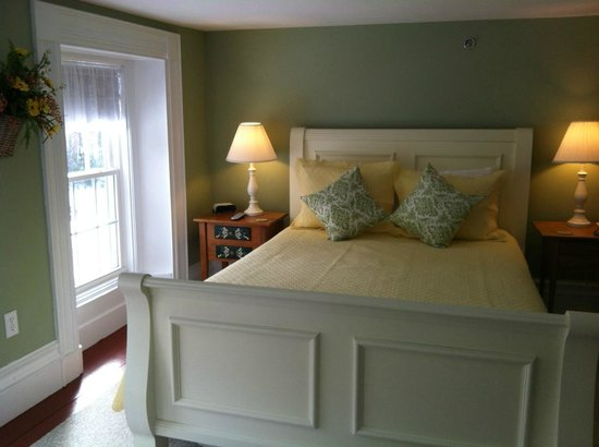 Ballard House Inn: Newfound Room