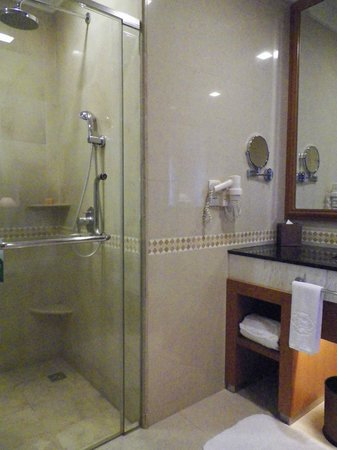 The Royale Chulan Kuala Lumpur: 2 different box in the bathroom:1 or the shower 1 for the wc