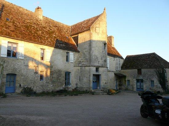 Manoir de Coulandon :                   Vue du manoir