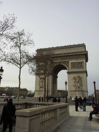 from metro stop picture of arc de triomphe paris tripadvisor. Black Bedroom Furniture Sets. Home Design Ideas
