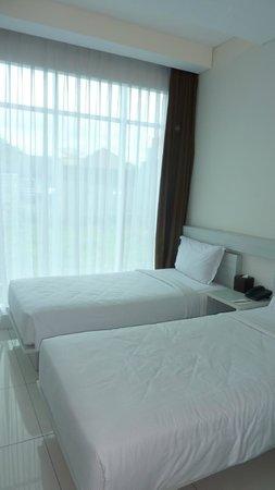 V Hotel & Residence:                   beds