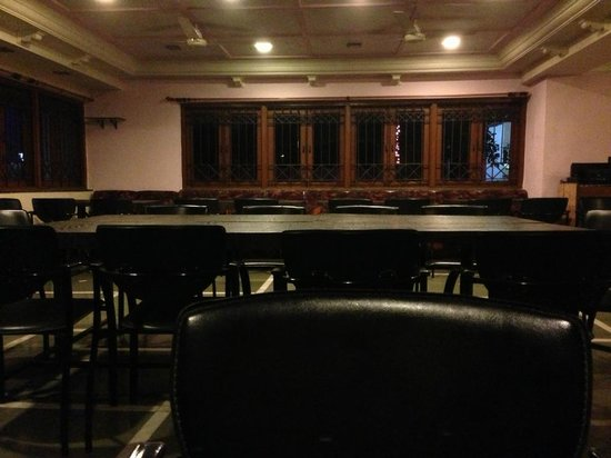 Hotel Sahyadri: dining and meeting room