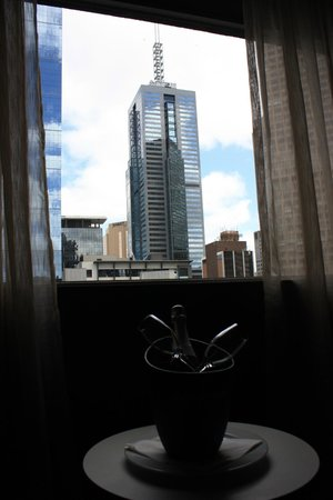 Mercure Melbourne Treasury Gardens:                   city view with complimentary sparkling