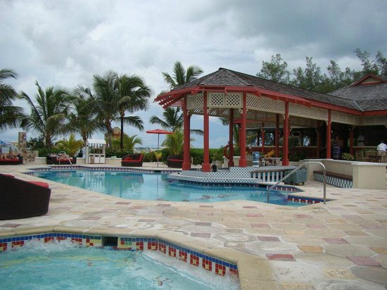 Sandals Royal Bahamian Spa Resort & Offshore Island:                   Pool bar on the private island