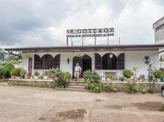 Cottage Restaurant & Pub: vista desde el parking