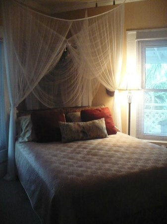 The Old Carrabelle Hotel: ONE OF THE GREAT GUEST ROOMS