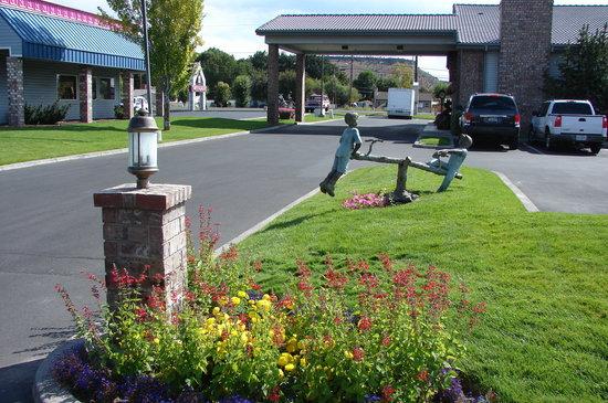 Best Western Prineville Inn: Front area